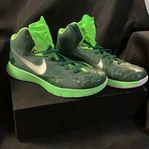 Nike's Hyperquickness lunarlon size 9 men's
